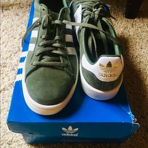 Adidas hunter green suede shoes